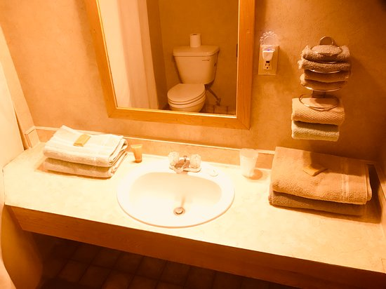 Dighton, KS: Bathroom