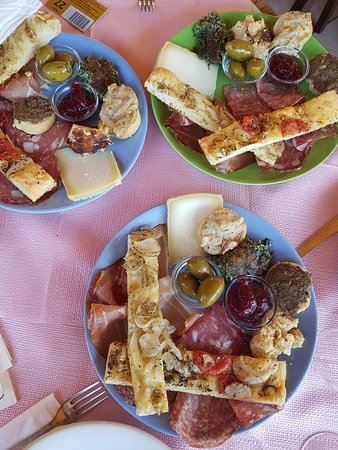Consuma, Italie : Maxi antipasto della casa