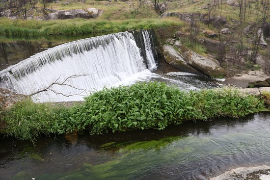 Ervedal da Beira, โปรตุเกส: waterfall along bicycle route