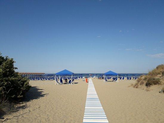 Bagni du golf dal ristorante in spiaggia picture of grand hotel