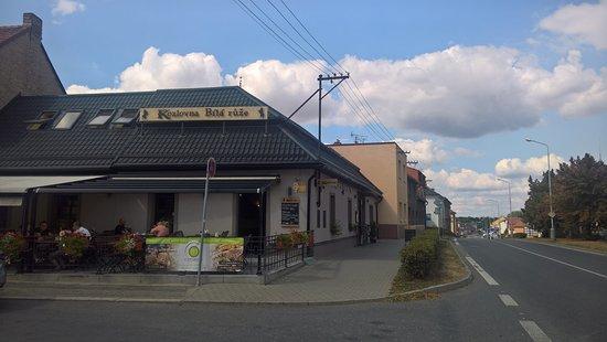 Caslav, Republika Czeska: Restaurace se zahrádkou