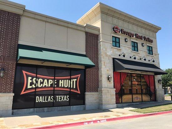 Escape Hunt Dallas: Side view of the escape room