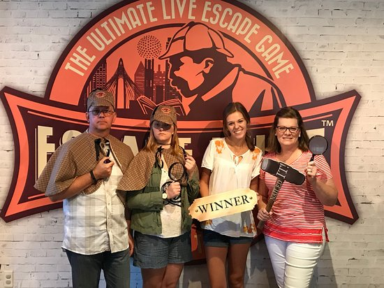 Escape Hunt Dallas: We finished with 6 minutes to go!!!!!