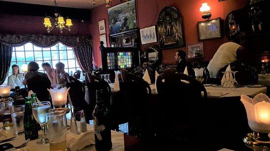 Nelsons Restaurant: The restaurant interior