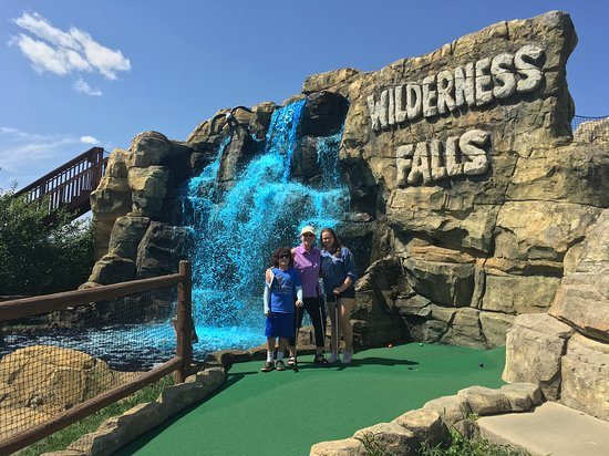 ‪Wilderness Falls Mini Golf‬
