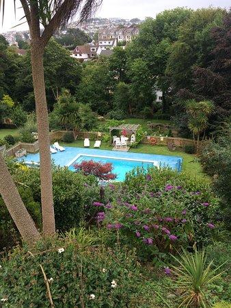Epchris House: The pool