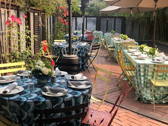 Graton, CA: Back patio decorated for rehearsal dinner - 50 people. Bocce court open!