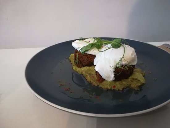 Biscuit Cafe: More lovely eggs