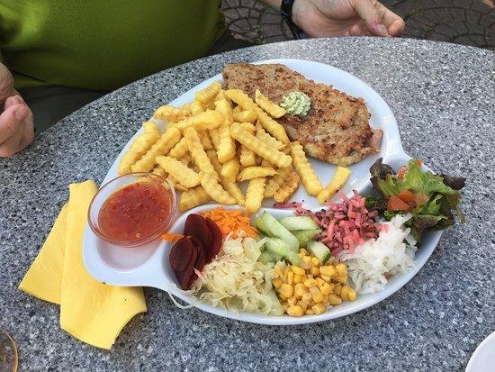 Hainzenberg, Austria: Waidachhof-Schnitzel