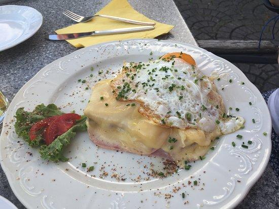 Hainzenberg, Austria: Rösti mit Käse überbacken und mit Spiegelei