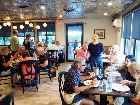 Normandy Beach, NJ: our comfortable and casual dining room