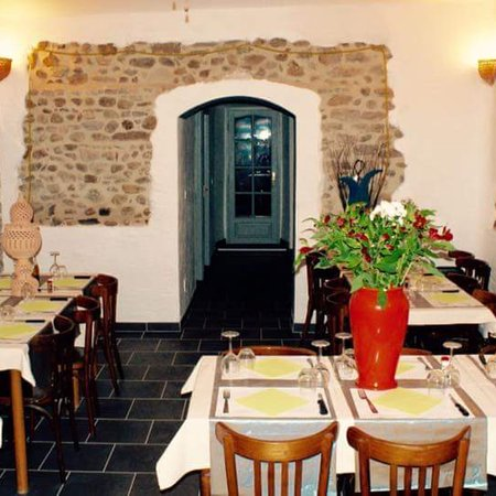 Besseges, France: Ambiance sympathique et restaurant jolie.