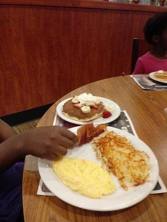 Lake Station, IN: Very Berry Pancake Breakfast