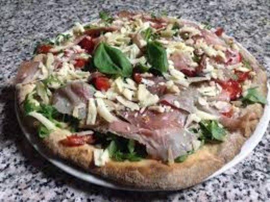 Pizza Mezza Luna