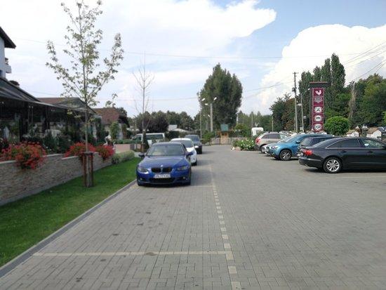 Ramnicu Sarat, โรมาเนีย: Hanul Poienita