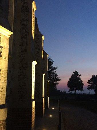 Chapelle des Marins: La Chapelle Saint-Valery au soleil couchant