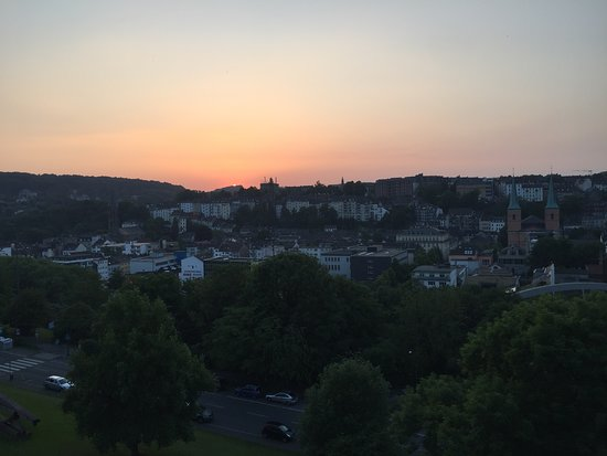 Vienna House Easy Wuppertal: evening view from room