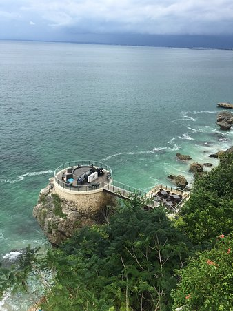 Ayana Resort Rock Bar