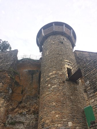 Riviere-sur-Tarn, ฝรั่งเศส: Tall tower