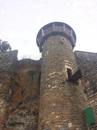 Riviere-sur-Tarn, Γαλλία: Tall tower
