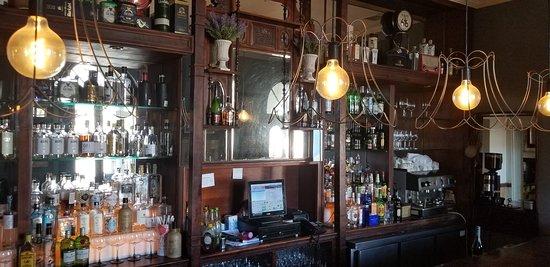 Royal Restaurant: Bar