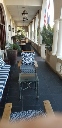 Royal Restaurant: Front porch