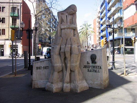 Monumento al Doctor Trueta