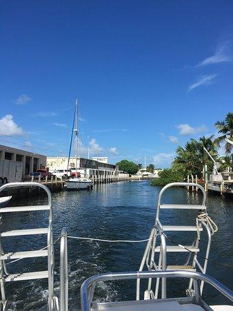 Florida Keys Dive Center: Returning to dock