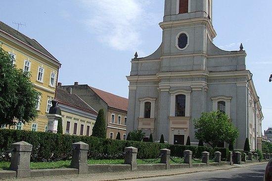 Biserica Reformata cu Lanturi