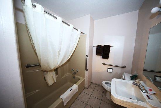 Oasis H&K Motel: Oasis Bathroom