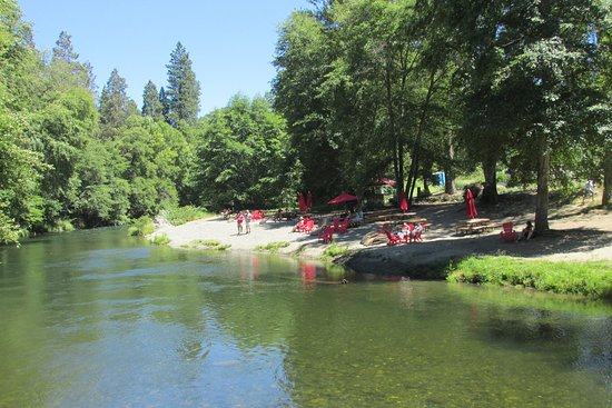 The beach on the Applegate River