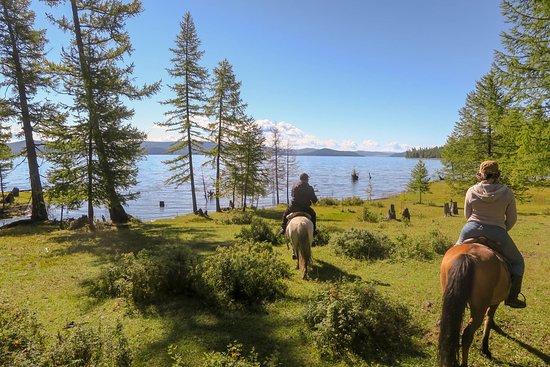 Hatgal, منغوليا: Horseriding trip