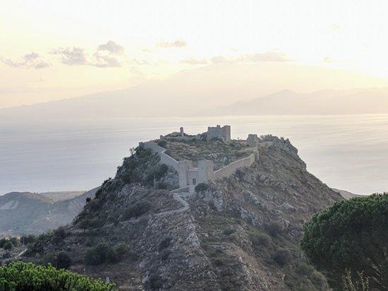 Motta San Giovanni, Italie : IMG_20180827_184259_large.jpg