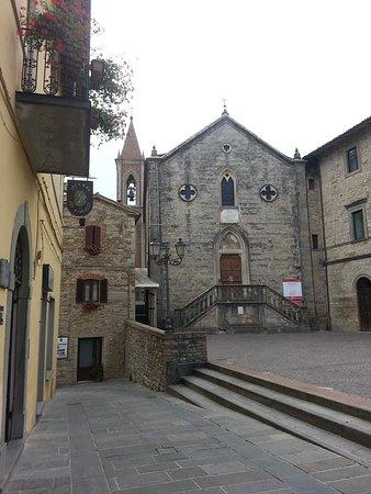 La chiesa di Santa Maria a Pietralunga