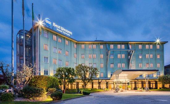 Best Western Hotel Turismo: Hotel street view