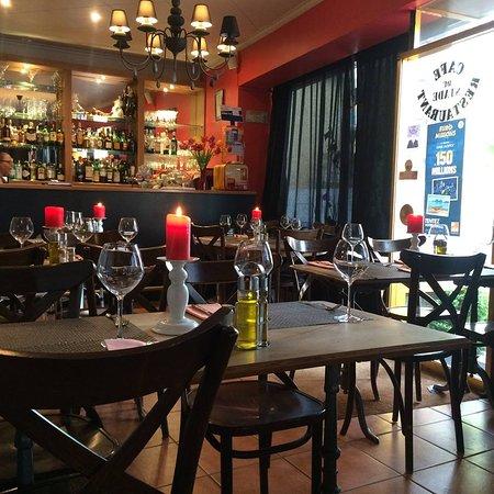 Le Cafe du Stade: Café du Stade