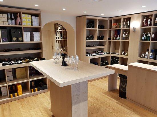 Wine Shop Flacons Divins