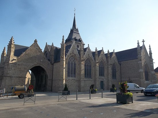 Eglise Saint-Marse de Bais