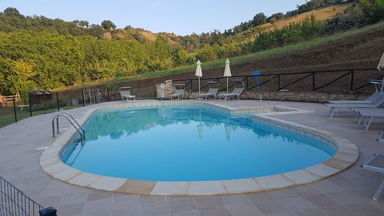 Force, Italie : Pool with a very nice view on the hills