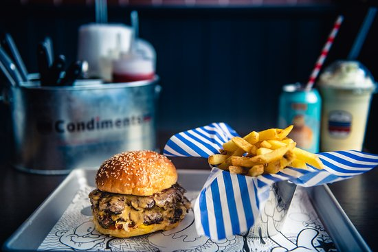 Libertine Burger: Burgers, Fries and sodas