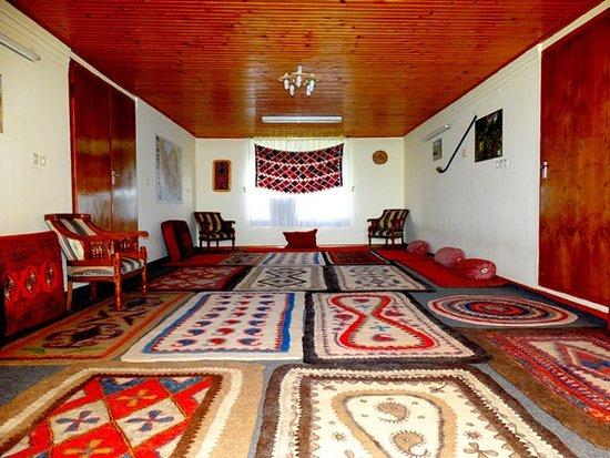 Chaboksar, Iran: Jorkhane - second floor Private room with private bathroom