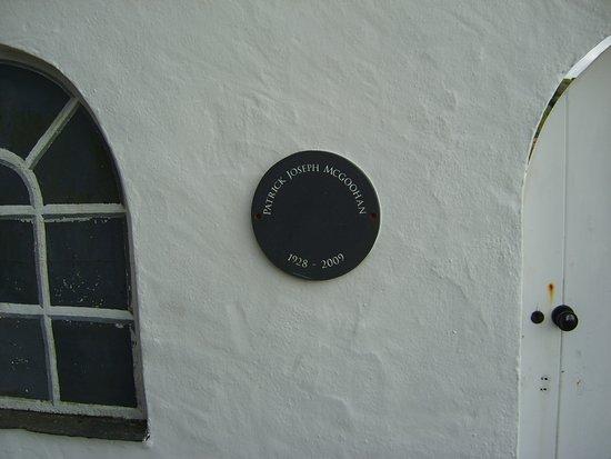 Portmeirion Village: Patrick Magoohan plaque, White Horses villa