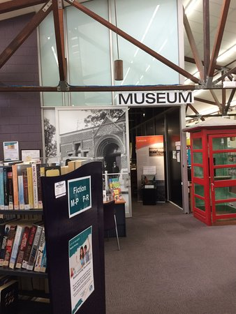 Cloverdale, Australia: Museum entrance within Ruth Faulkner Library
