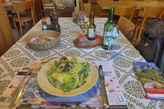 Vattis, Ελβετία: Blattsalat als Vorspeise