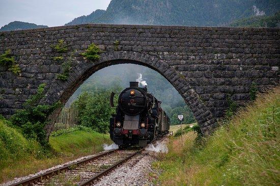 Steam Train on Bohinj Railway张图片
