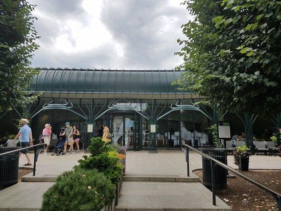 Pavilion Cafe at the Sculpture Garden: 20180711_125738_large.jpg