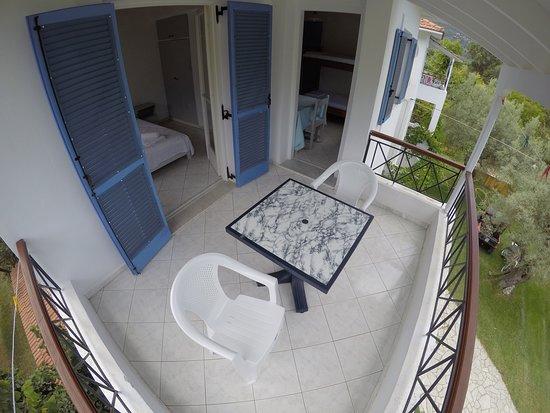Armonia Apartments : 3 X 2.8  metre balcony on all 1 bedroom apartments