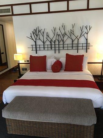 Deluxe Treetop room, very comfortable bed