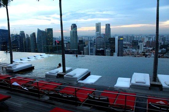 Marina Bay Sands Casino: 空中プール
