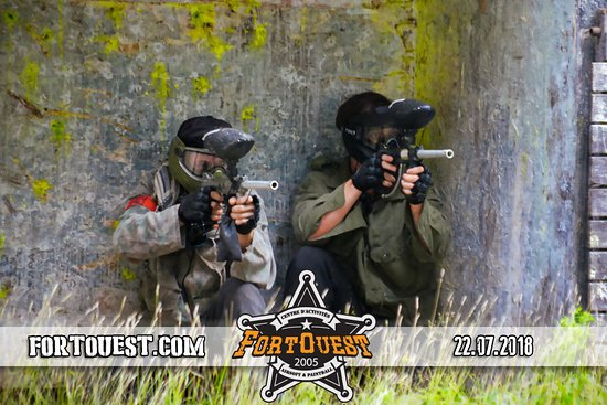 Arundel, Canada: paintball time !